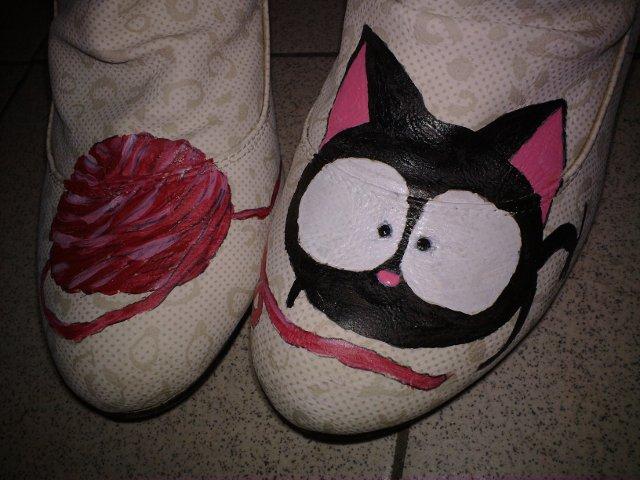 小猫猫和毛线团